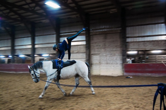 Vaulting - The Needle in the trot
